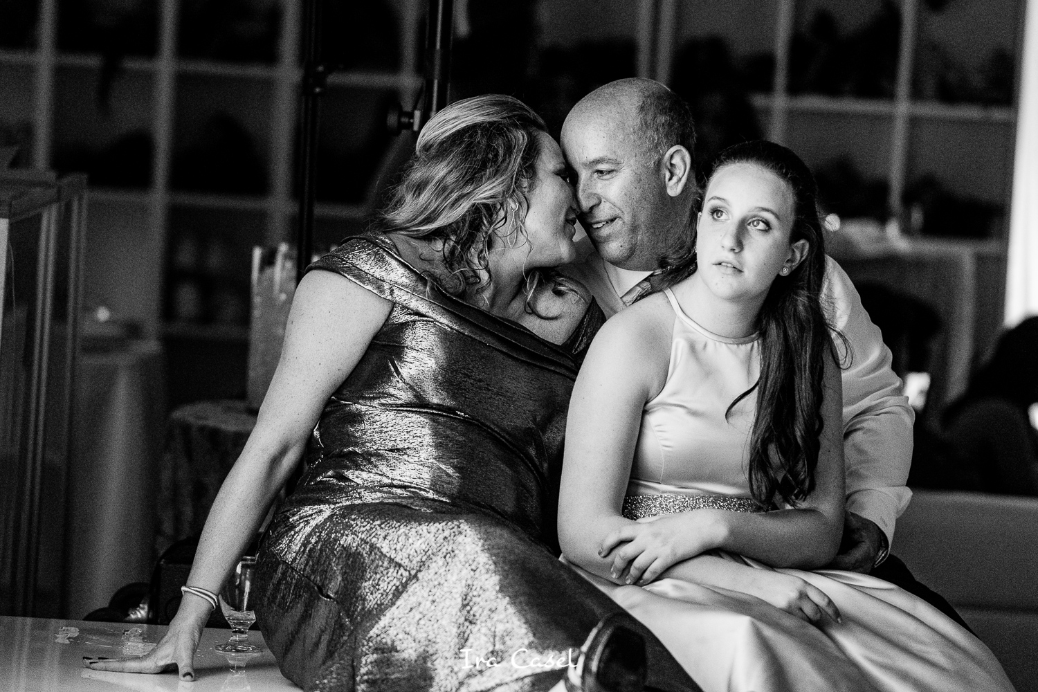 Shackamaxon Country Club Bat Mitzvah Photography – Watching the Montage